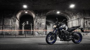 2015-Yamaha-MT-09-EU-Race-Blu-Static-003