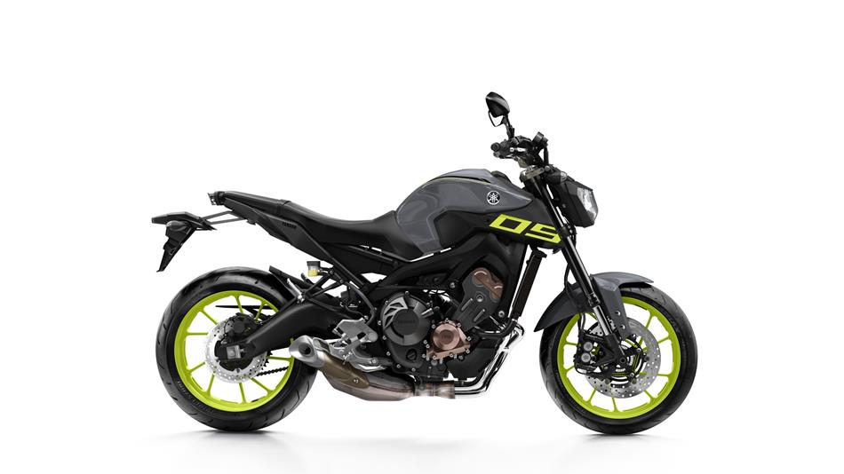 2016-Yamaha-MT-09-EU-Night-Fluo-Studio-002